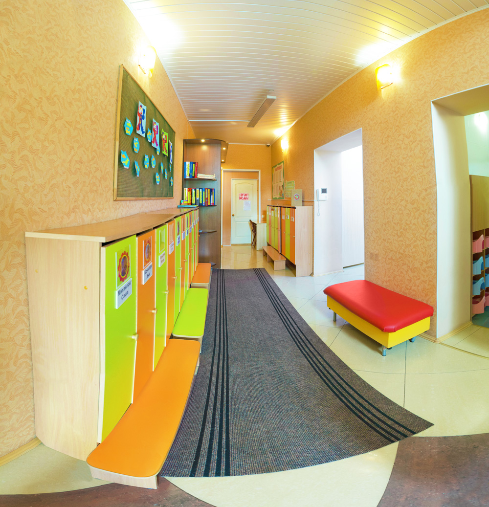 1_house_corridor2_1